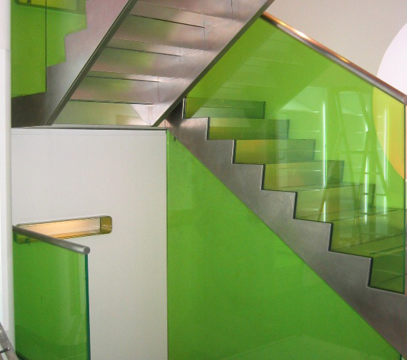 Vanceva Color laminated glass for Lacoste balustrades