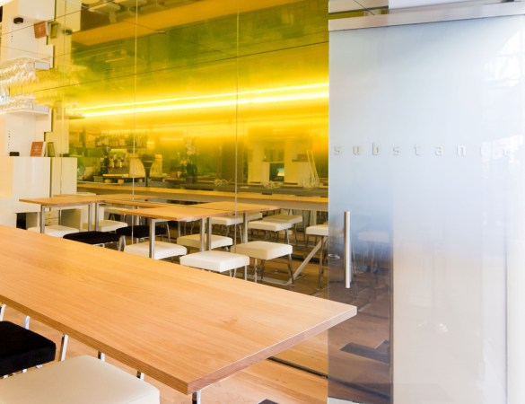 Glass wall coverings -macocco, glass solutions for homes stores