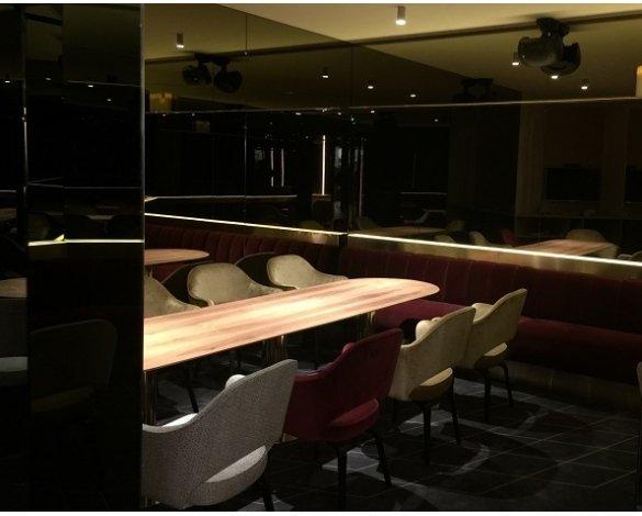 Bars restaurants macocco verres doubles vitrages for Restaurant miroir