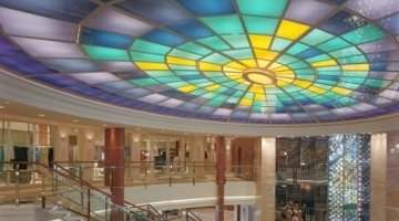 Vanceva Color laminated glass for a lighted ceiling