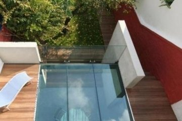 Clear laminated glass for balustrades and terrace flooring