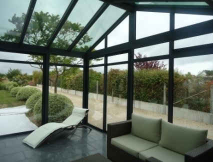 Solar control & thermal insulating glass for a sunny and cosy conservatory